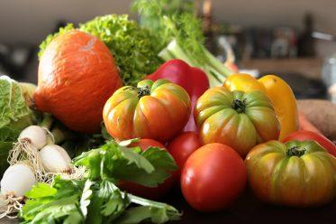 Gemüsekauf ohne Verpackung im Bioladen