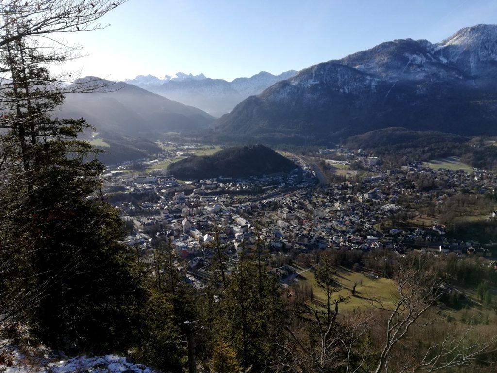 Blick auf Bad Ischl und das umliegende Gebirge