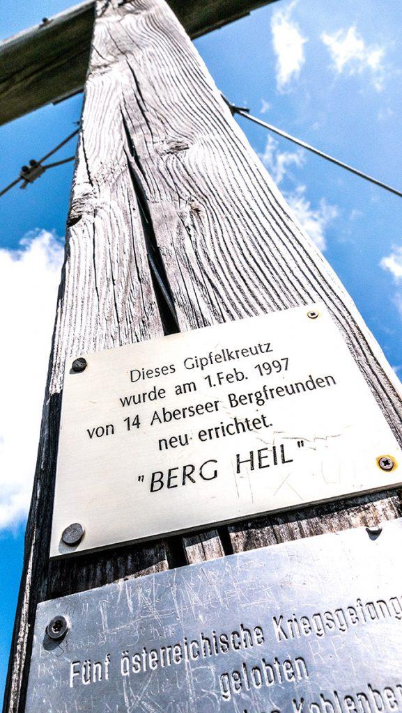 Aufschrift am Gipfelkreuz auf der Bleckwand auf 1.516 m