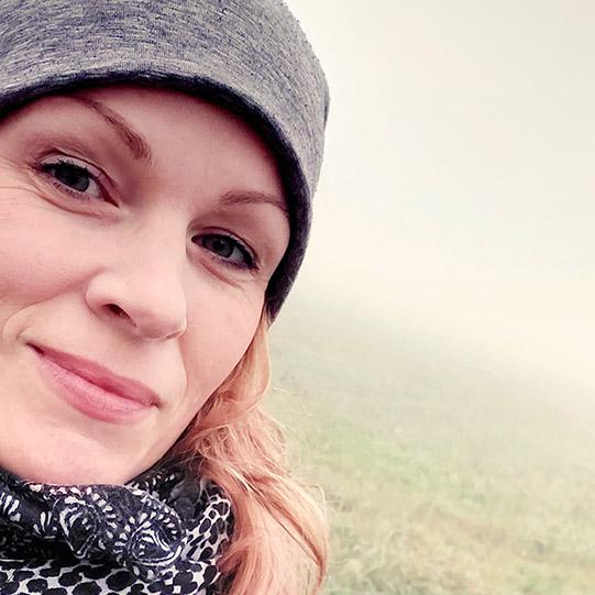 mOnA – dahinter eine dicke Nebelschicht