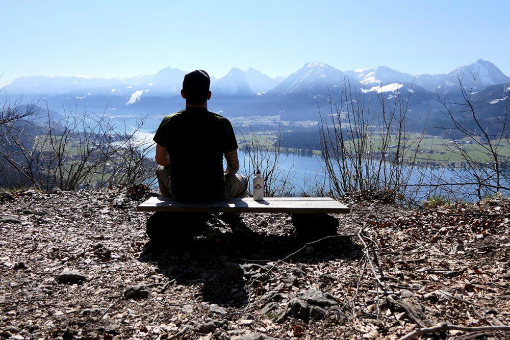 Tom genießt die Aussicht vom Falkenstein aus